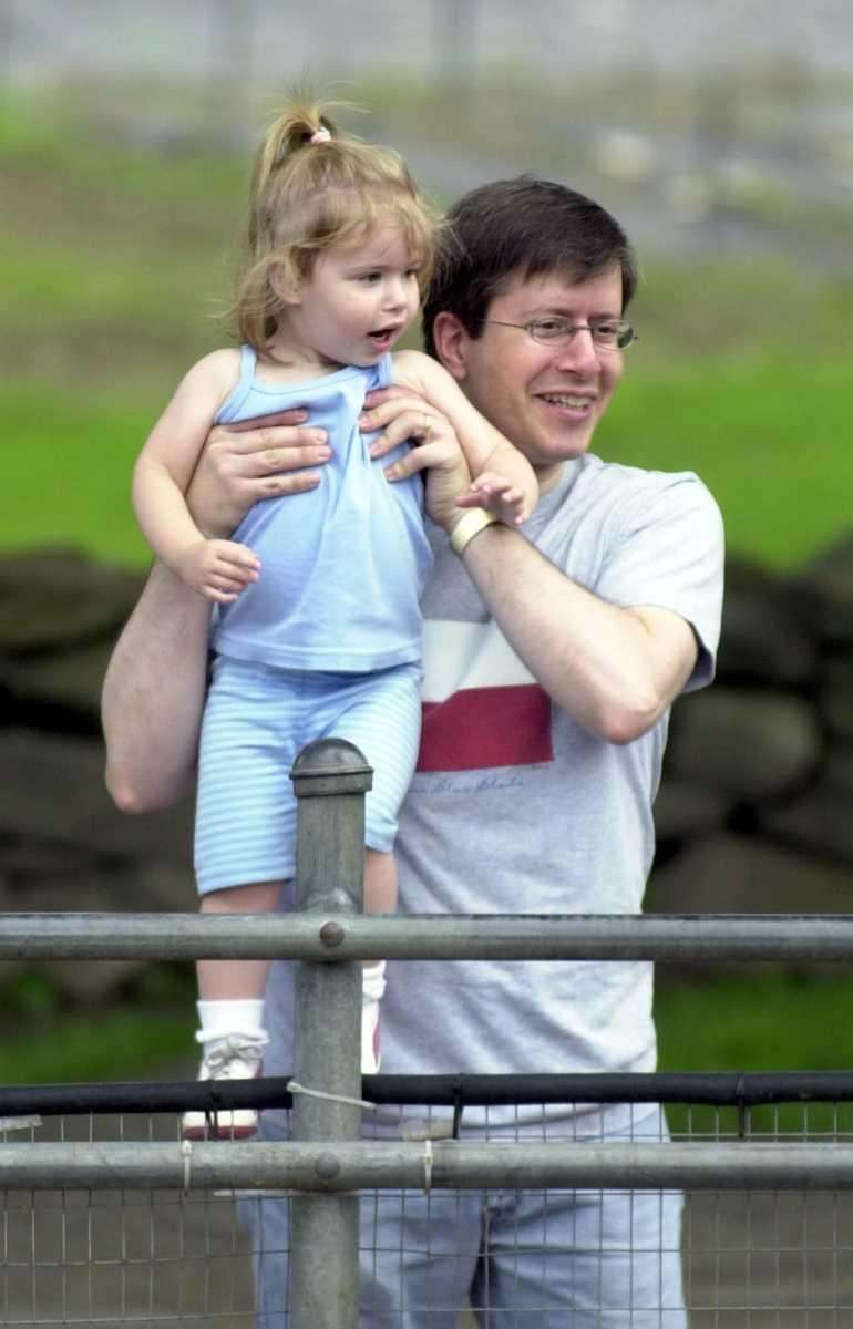 Sam Friedlander shows his daughter, Molly, then 2,