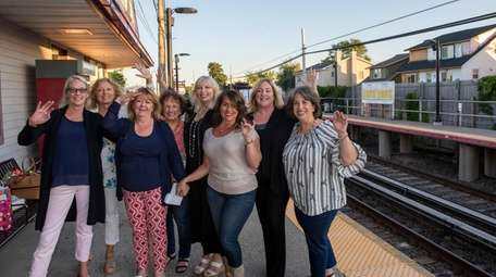 This group of women, who have commuted together