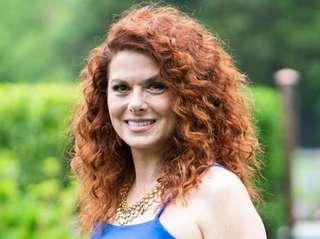 Debra Messing will star as a woman who