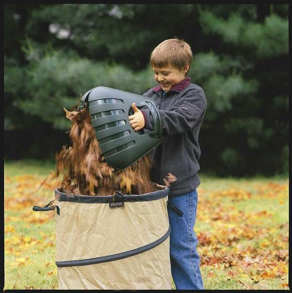 Bear Claw Scoops make picking up raked leaves