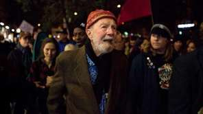 Activist musician Pete Seeger, 92, marches with nearly