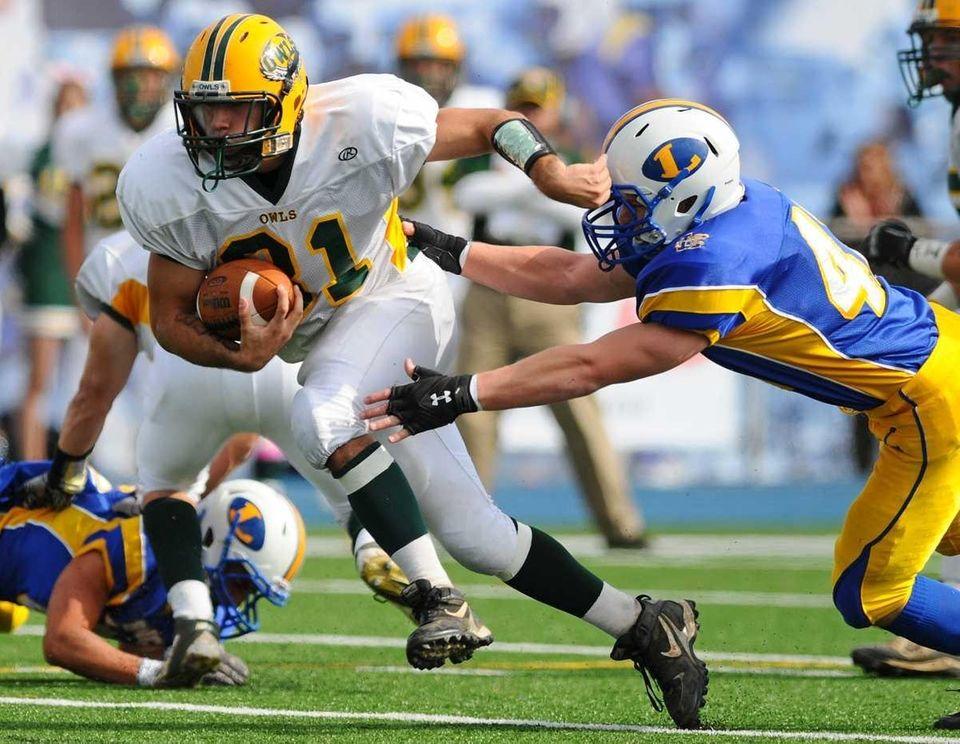 Lynbrook High School running back #31 Rocco Scibelli,