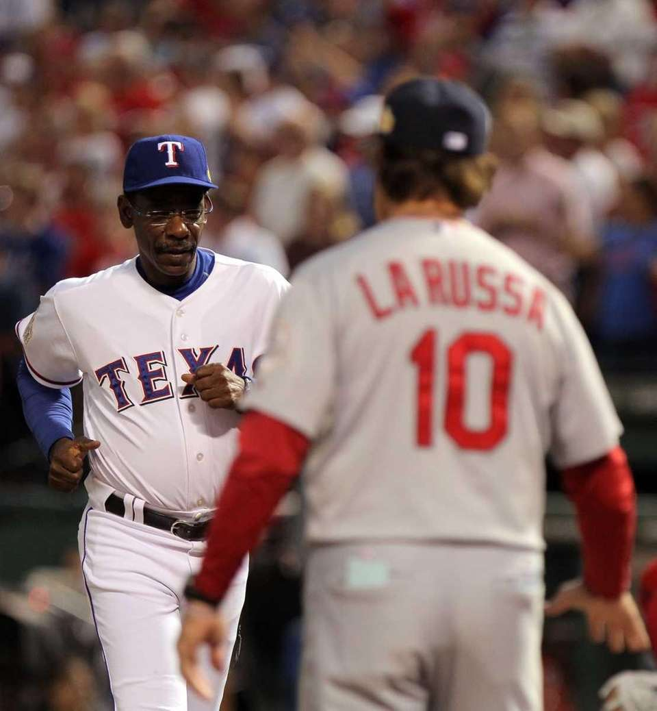 Manager Ron Washington of the Texas Rangers goes