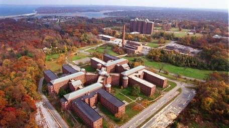 The abandoned Kings Park State Psychiatric center north