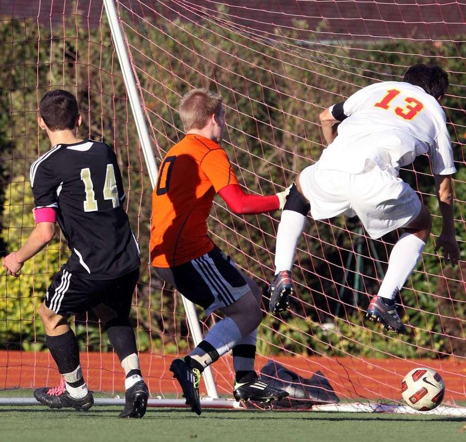 St. Anthony's Carl Faber scores second goal of