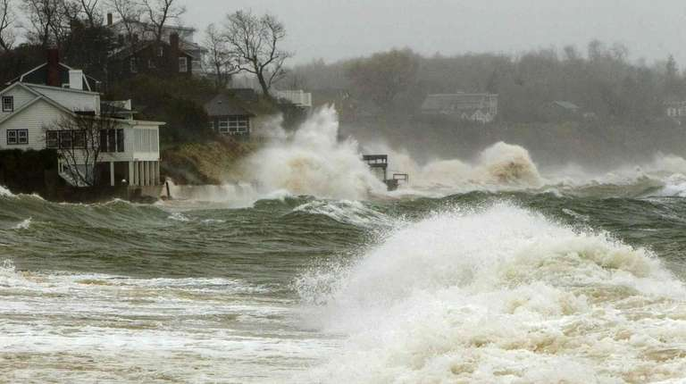 Homes off Southold Town Beach in Southold experience