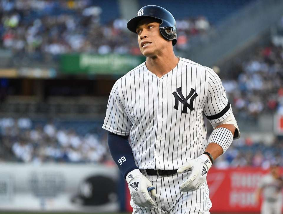 New York Yankees right fielder Aaron Judge returns