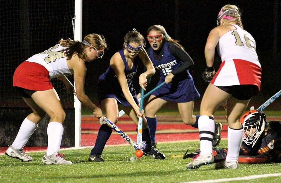 Northport G Gabby Gallo #91 tries to reach