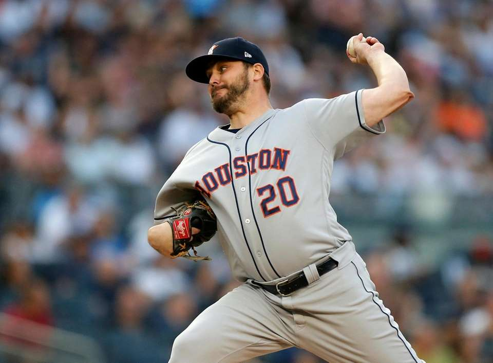 Wade Miley #20 of the Houston Astros pitches