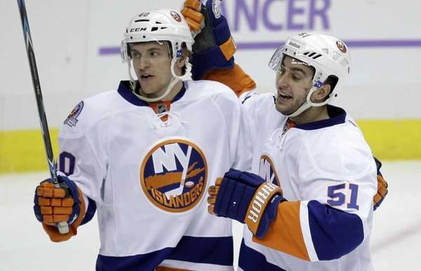New York Islanders' Frans Nielsen (51) celebrates his