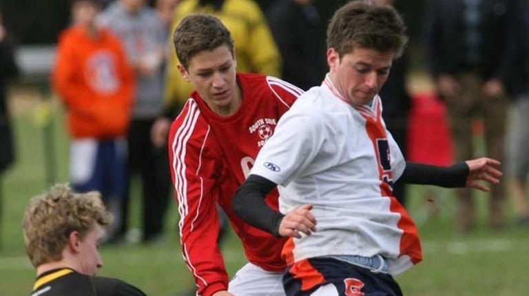 Great Neck North HS's #5 Mathias Krogstad tries
