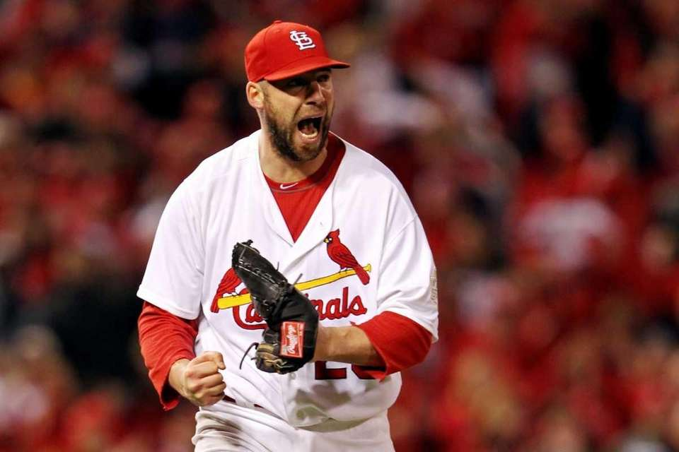 Chris Carpenter #29 of the St. Louis Cardinals