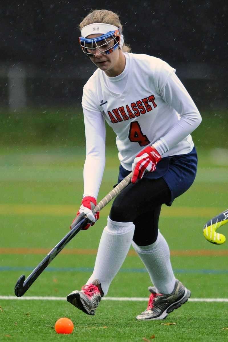 Manhasset High School #4 Madison Molinari heads downfield