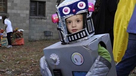 Lorenzo Coumo, 3, of Islip as a robot