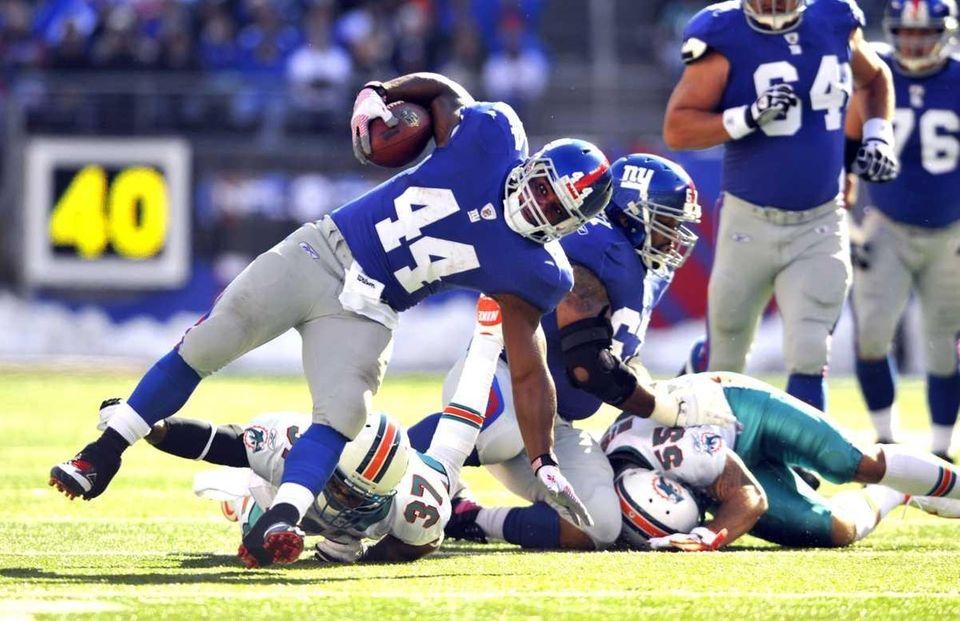 Ahmad Bradshaw of the New York Giants picks