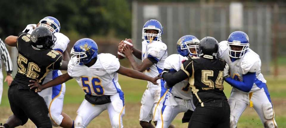 Roosevelt QB Robert Sweeney gets good protection from