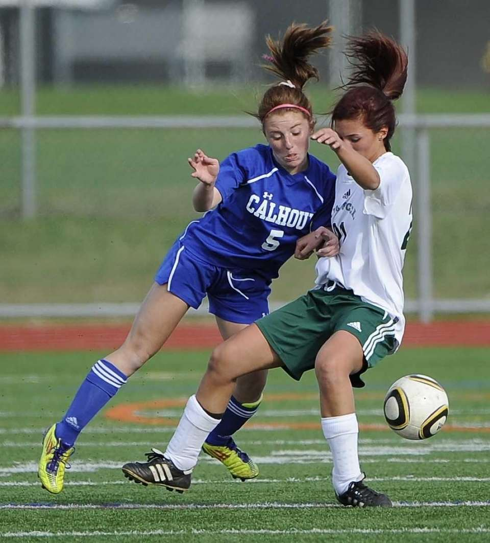 Calhoun's Jessica Foley, left, and Farmingdale's Alexis Panariello,