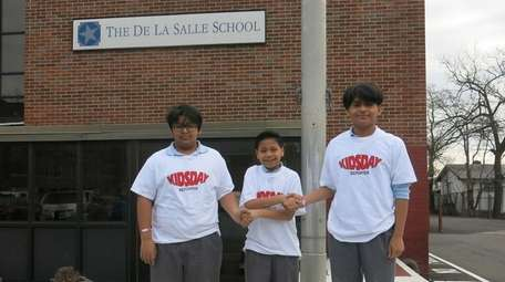 Kidsday reporters and De La Salle gentlemen Jose