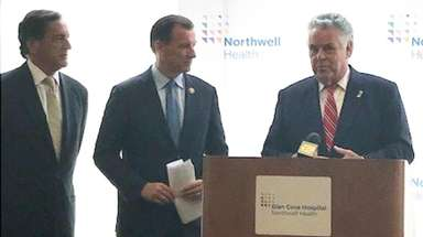 Charles Fuschillo Jr, left, president and chief executive