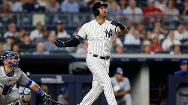 Aaron Hicks #31 of the New York Yankees