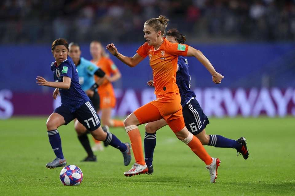 Vivianne Miedema of the Netherlands runs with the