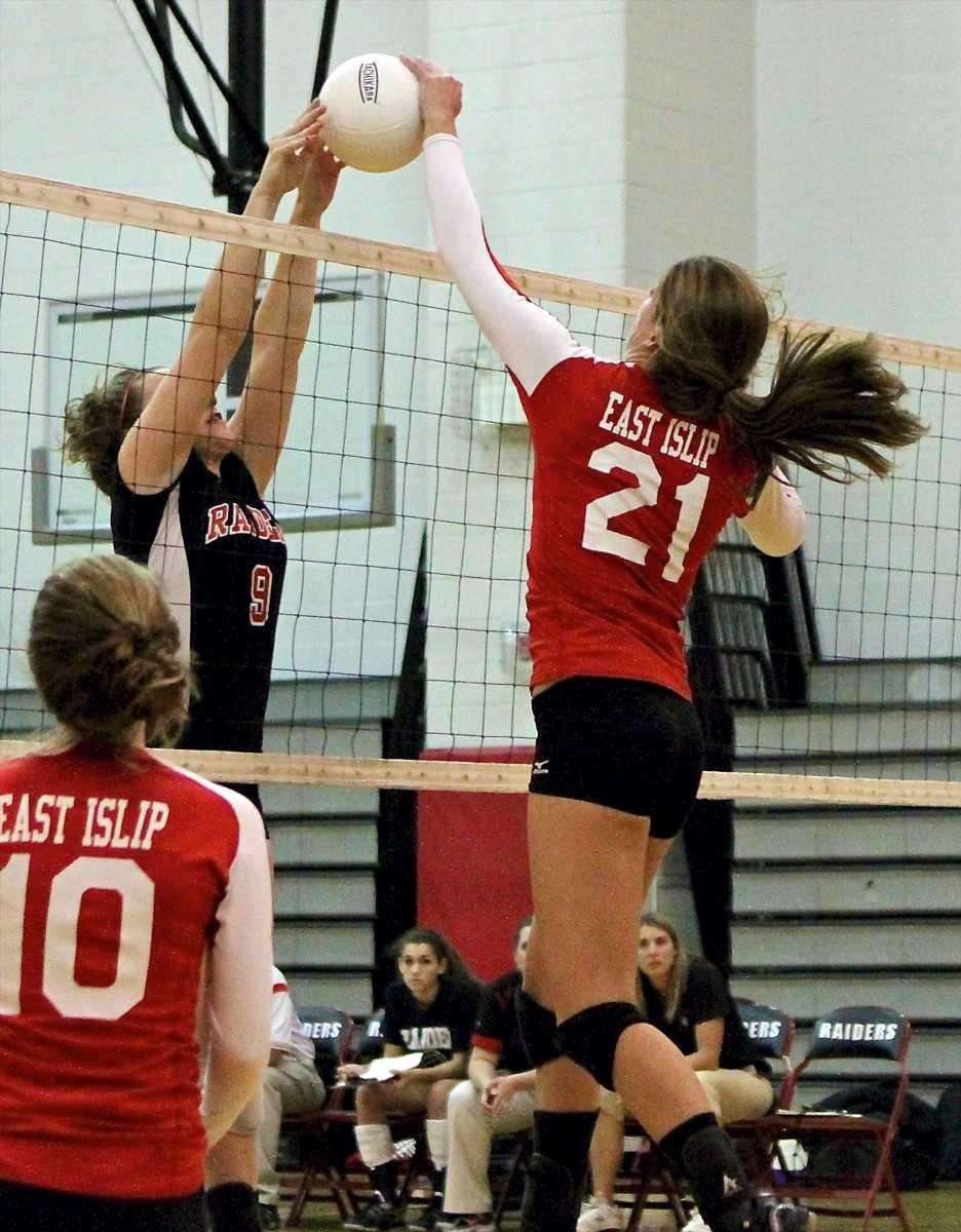East Islip's Alicia Anderson #21, goes for the