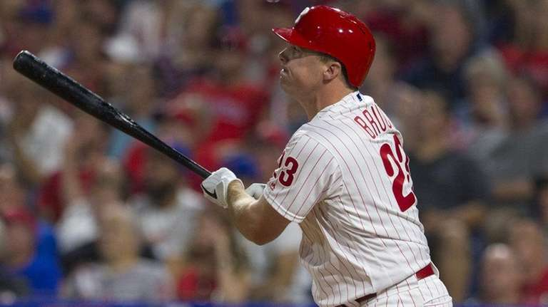 Jay Bruce of the Phillies hits a pinch-hit