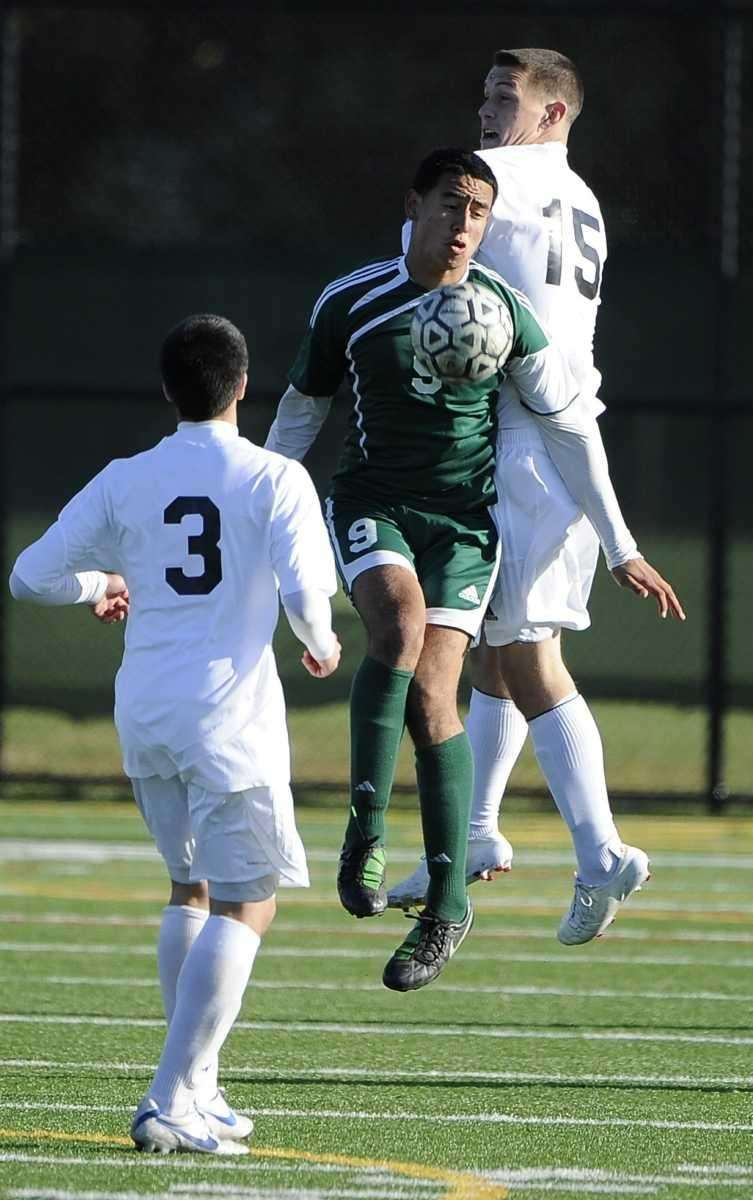 Brentwood's Jonathan Interiano traps the ball in front