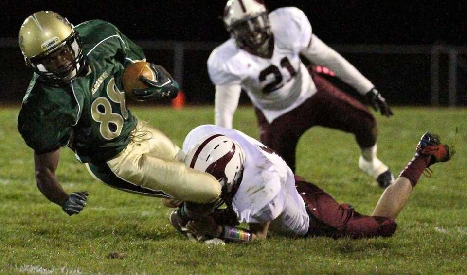 Longwood WR Dave Bennett #88 is brought down