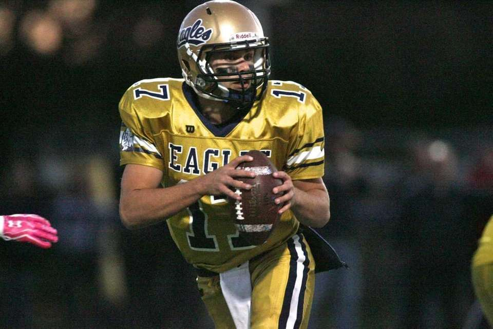Bethpage HS's QB Justin Rohr looks to make
