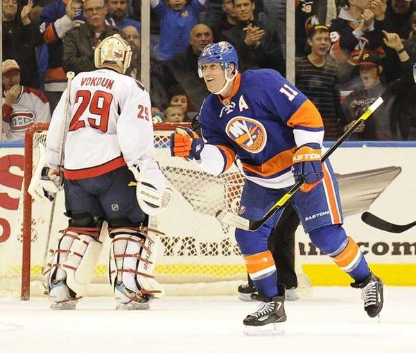 Brian Rolston #11 of the New York Islanders