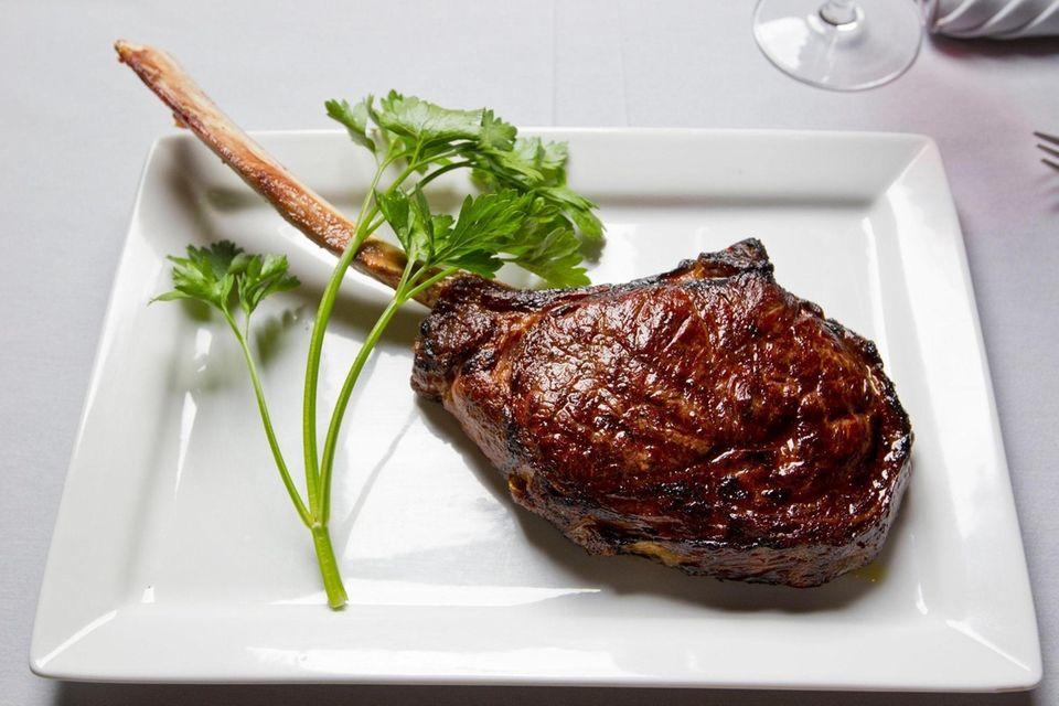 Insignia Prime Steak & Sushi (610 Smithtown Bypass,