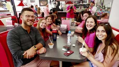 The 2018 Long Island Ice Cream Tour included