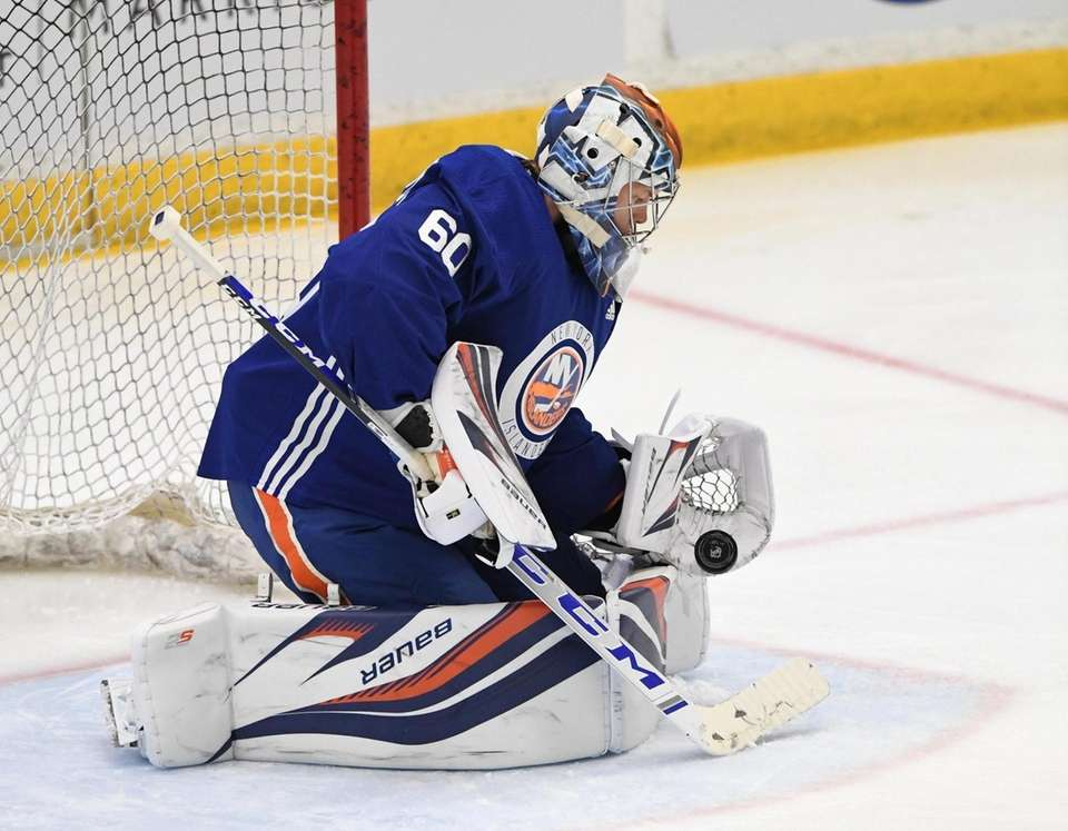 New York Islanders goalie Linus Soderstrom makes a