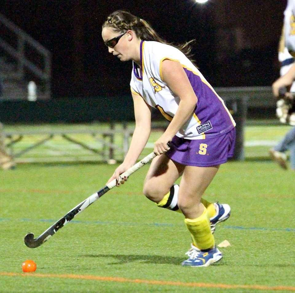 Sayville M Olivia Cabral #7, takes the pass,