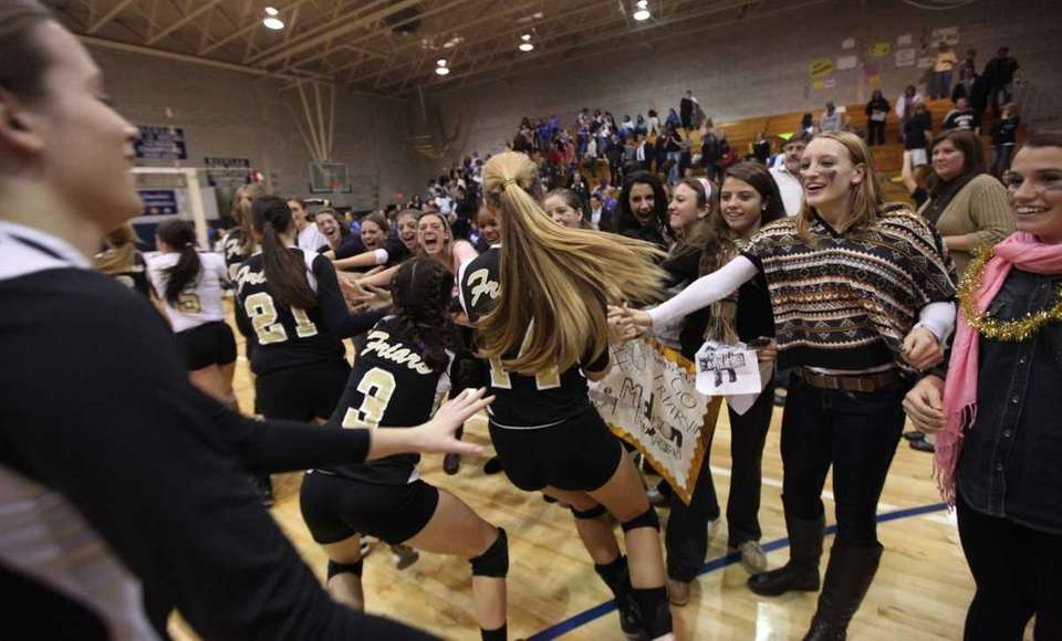 St. Anthony's celebrates their victory over Kellenberg with