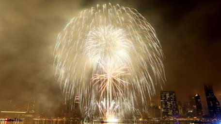 """NBC airs the """"Macy's Fourth of July Fireworks"""