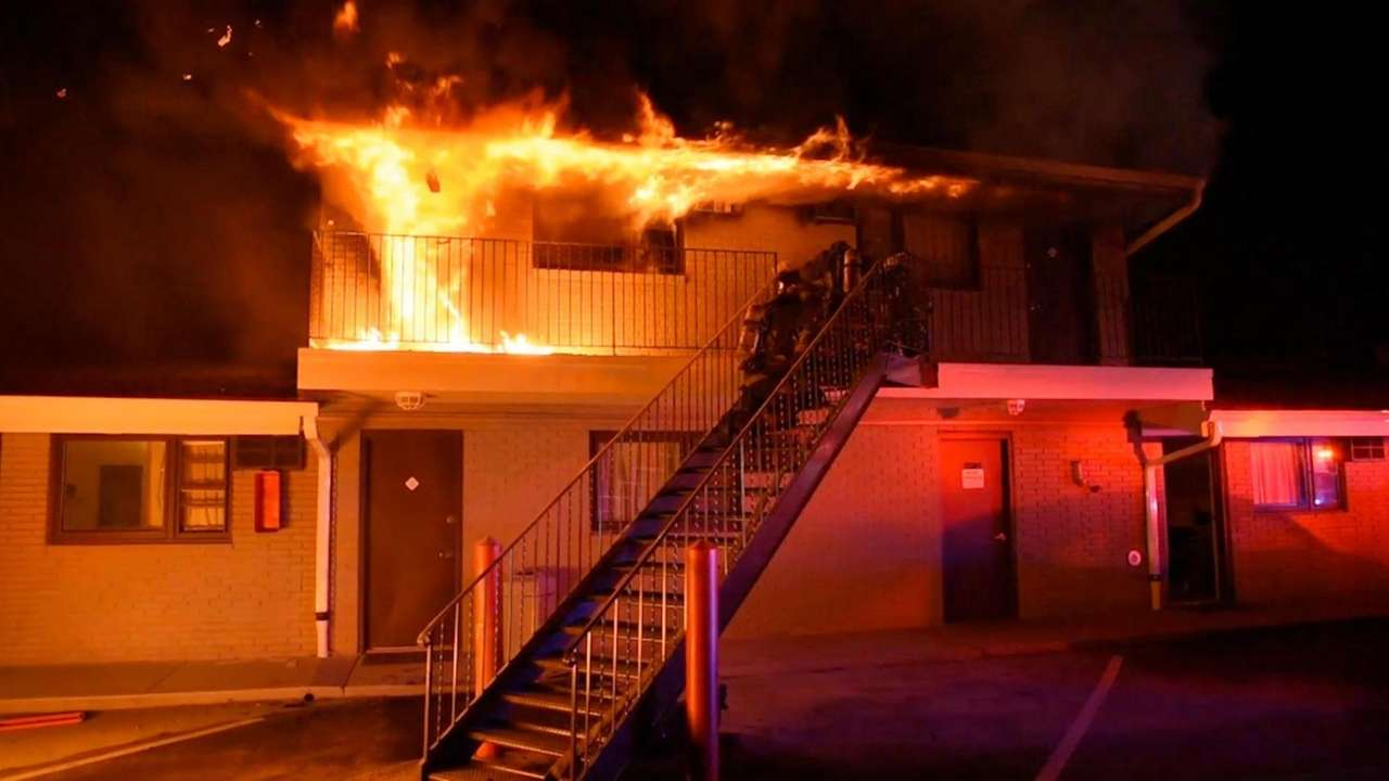A fireat the Bethpage Hotel injured two guests,damaging