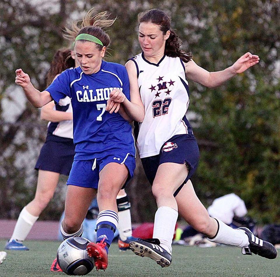 Calhoun's Kristina Gandolfo against : MacArthur's Sam Sherman