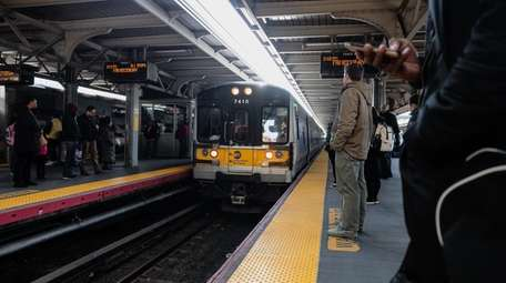 Afternoon commute at the LIRR's Jamaica station on