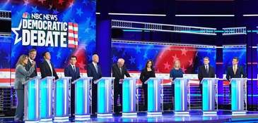 Democratic presidential hopefuls (from L) U.S. author and