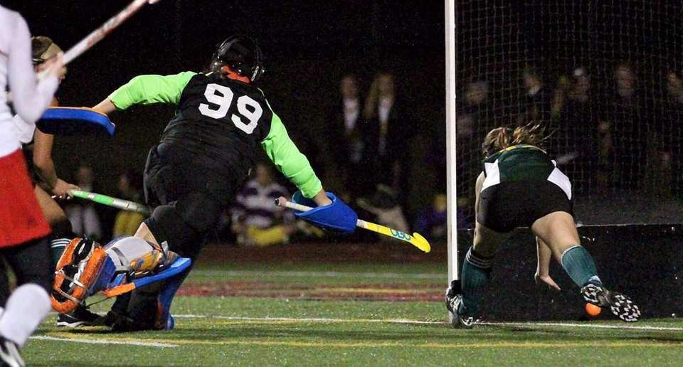 Ward Melville GK Andre Bongiorno #99 can't stop