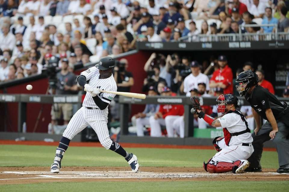 New York Yankees Didi Gregorius bats during the