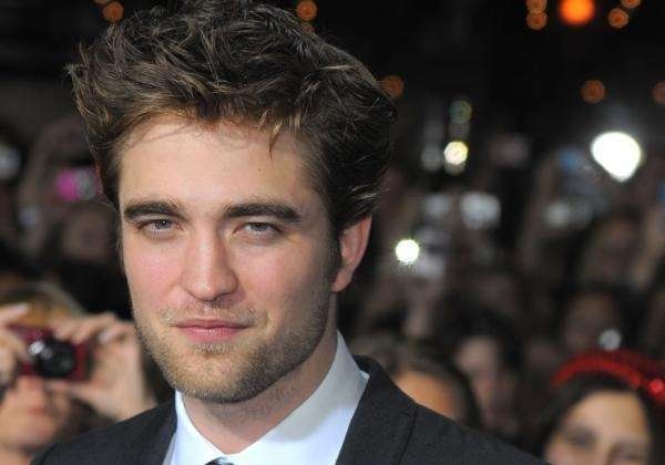 Robert Douglas Thomas Pattinson was born on May