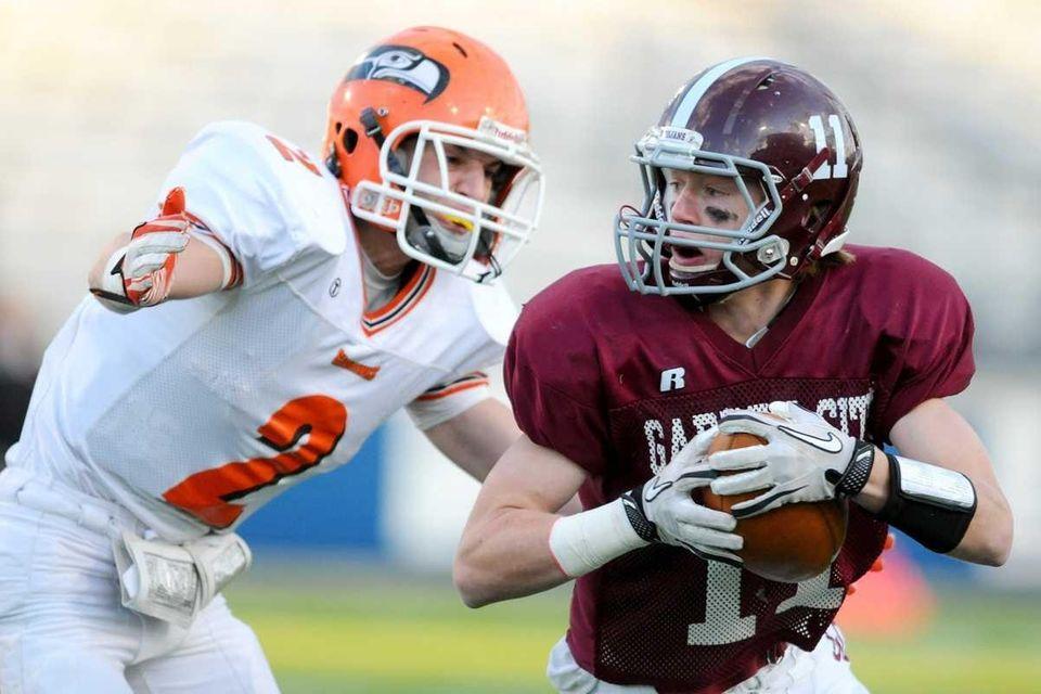 Garden City High School wide receiver #11 Devin