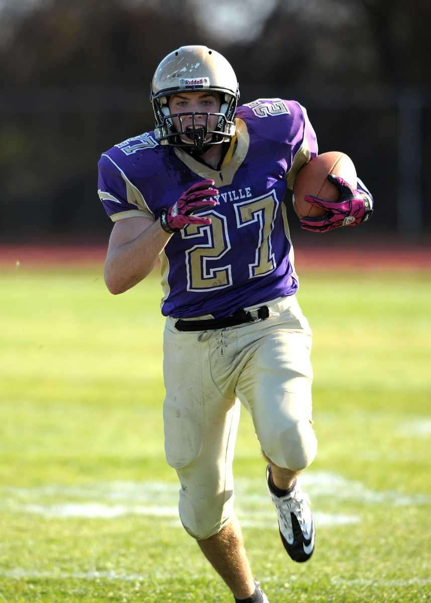Sayville's John Haggart (27) breaks into the clear