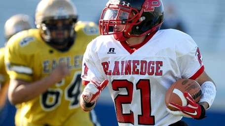 Plainedge High School running back #21 Ralph Caccavale