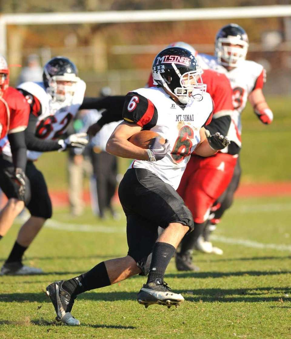 Mt. Sinai's Mike Donadio (6), is on the