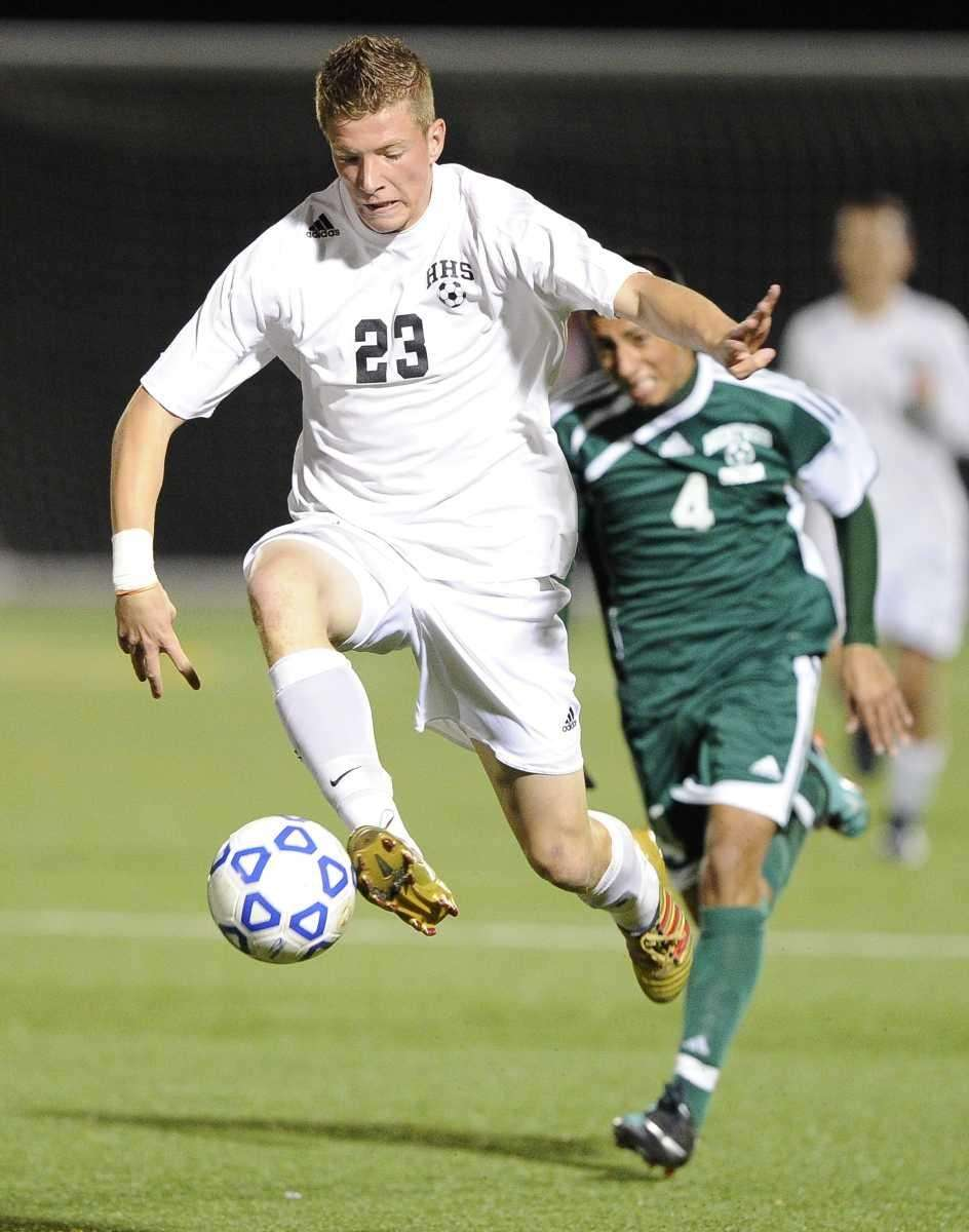 Hicksville's Peter DiLorenzo controls the ball against Brentwood