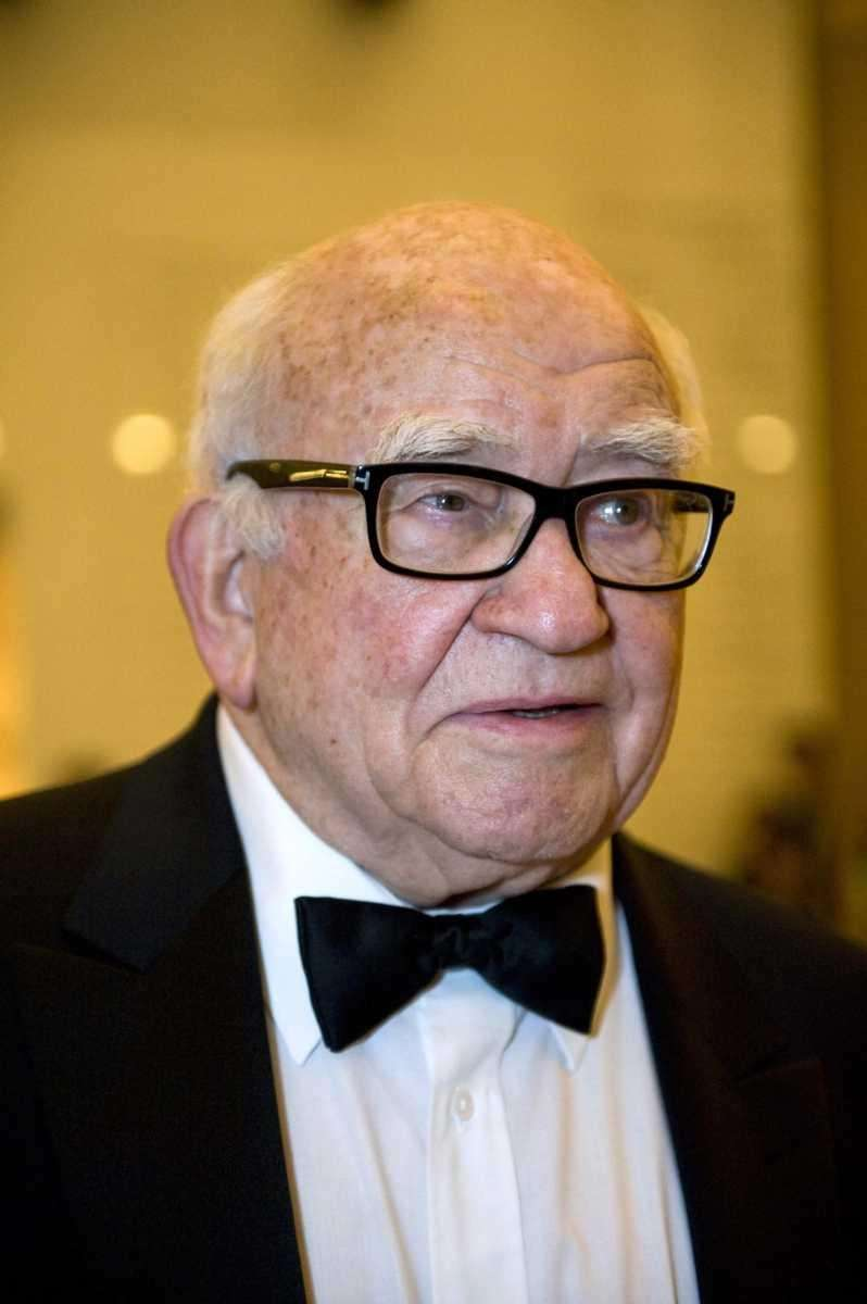 Actor Ed Asner arrives at the Kennedy Center